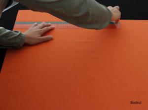 on trace les rectangles qui forment le sac à coulisse à l'aide d'une règle et d'une équerre