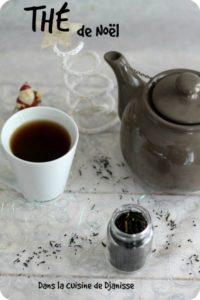 sapin marque place et thé de Noël dans la cuisine de djanisse