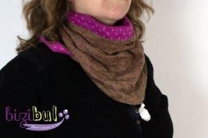 A l'atelier de couture Bizibul à Port Saint Père, j'apprends la couture pour les nuls grâce à un projet couture facile et son tutoriel couture. Le chèche est une écharpe cousue en tissu fluide pour l'été et agrémentée de petits pompons de coton hand made.