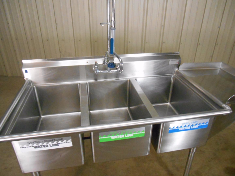 compartment sink w sprayer dish shelf