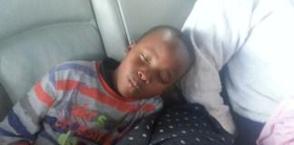 Child sleeping in a car - Bizna