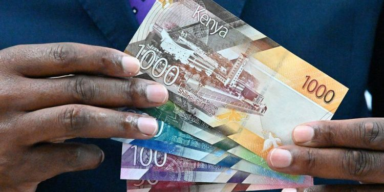 Kenyans report worirying levels of earning declines in Q1 2021 - Bizna Kenya