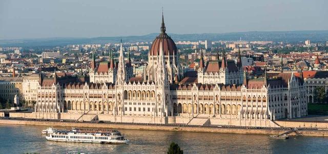 Węgry zniosły zezwolenia na pracę dla Ukraińców i Serbów