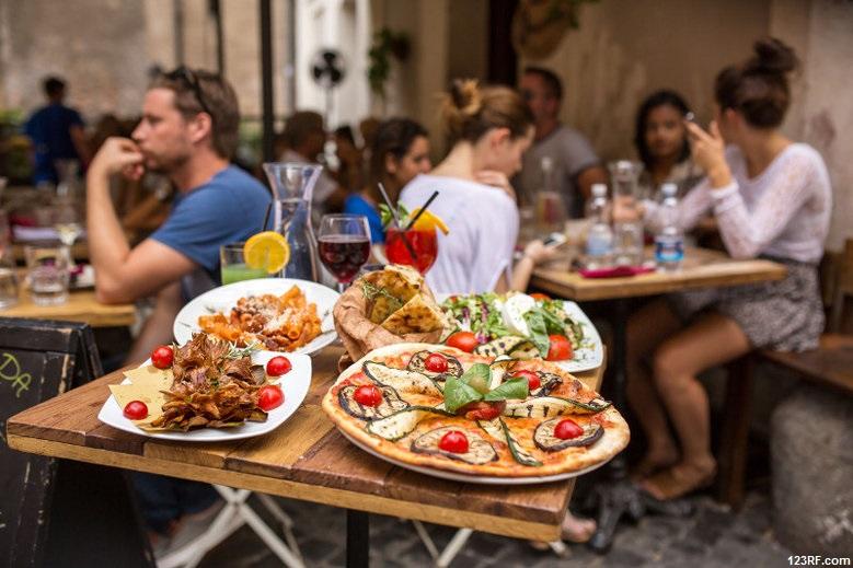 1100 euro za zwykły obiad dla czterech osób? Takie oszustwo możliwe jest chyba tylko w tym mieście