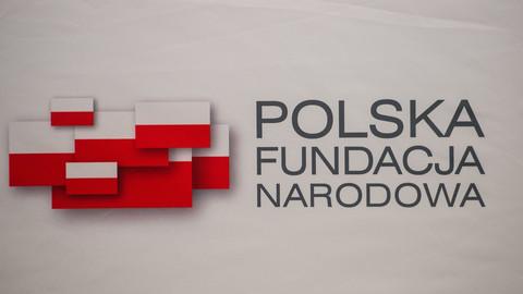 """Finanse Polskiej Fundacji Narodowej. """"Miliony złotych na kontrowersyjną kampanię"""""""