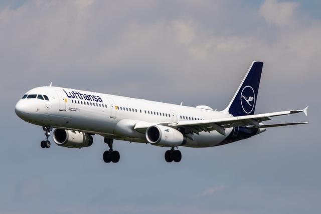 Lufthansa: straty coraz mniejsze