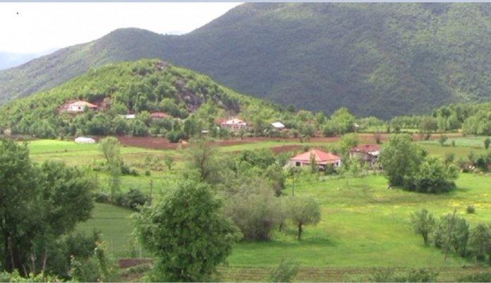Si në mesjetë! Ky është fshati shqiptar që nuk i 'njeh' lekët