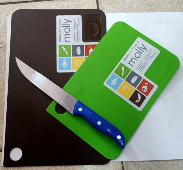 2 Chopping Boards + FREE Kitchen Knife