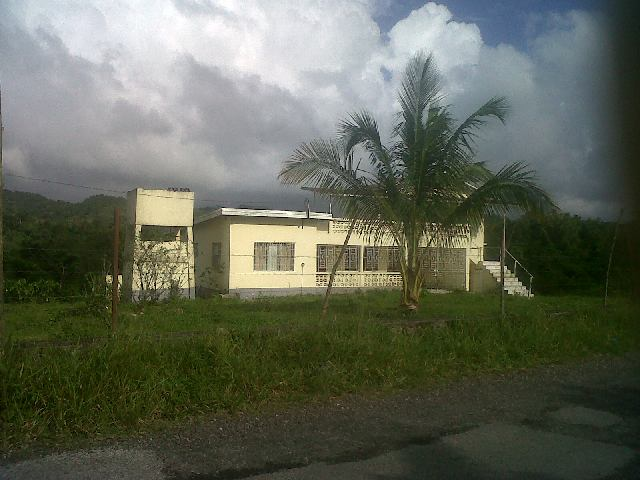 Foreclosed farmhouse for sale in Westmoreland
