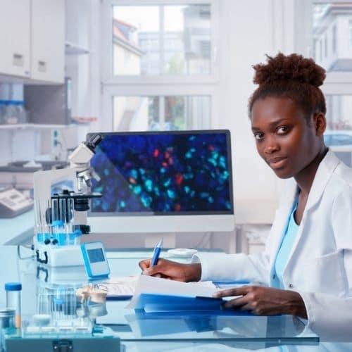 Career Outlook – Medical Lab Technician