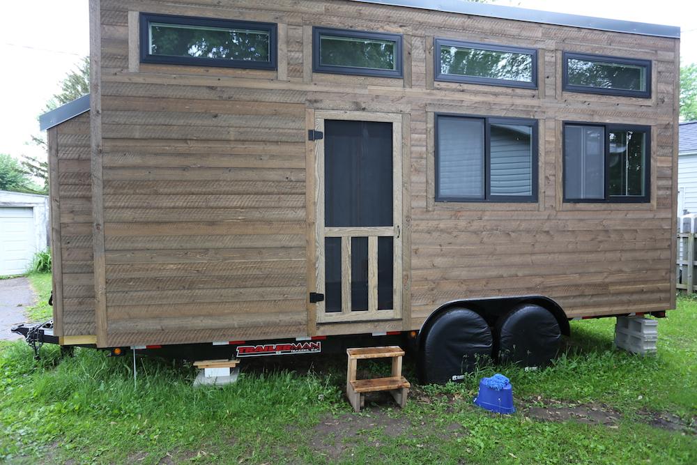 Tiny House: Rustic Screen Door