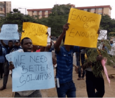 Protesters Storm BEDC Office In Akure Over High Electricity Bills