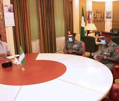 Buhari Meets With New COAS, Faruk Yahaya And Defence Minister