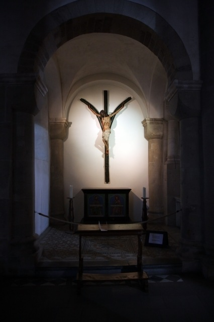 6798-st-maria-im-kapitol-cologne-plague-crucifix