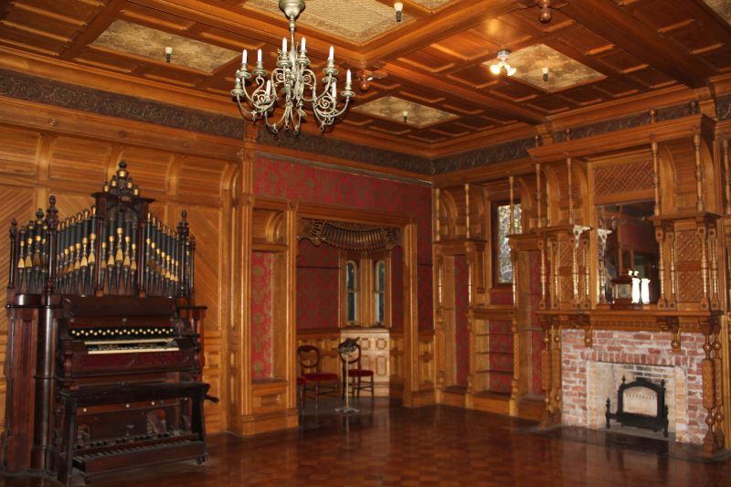 House archives bizzarro bazar for Mansion floor plans with ballroom
