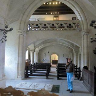 V kaplnke.