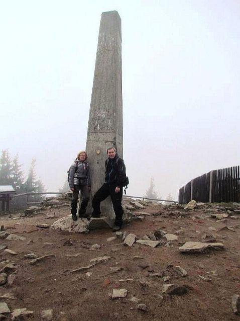 Obelisk na LH.