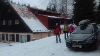 Odchádzame z chaty s odhodlaním, že sa do týchto krásnych končín ešte niektorú zimu vrátime.