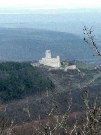 Topoľčiansky hrad z Úhradu.