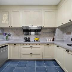 Upper Kitchen Cabinets Backspash 中厨 米白色厨柜配上浅蓝灰色墙砖 清新雅致 装修美图 新浪家居
