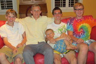 Beck and his cousins (he's the little one)