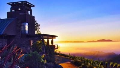 Bjella-Architects-Mountaintop-House-Valley-Sunrise