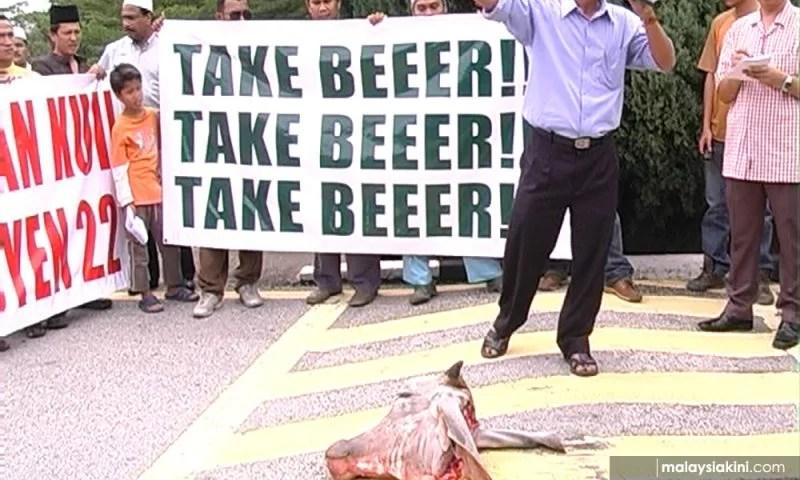 Cow Head Religion Protest Shah Alam