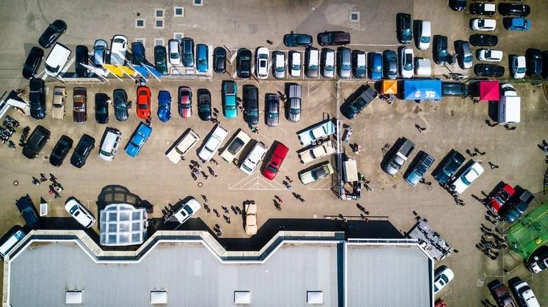 Parking car lot driving