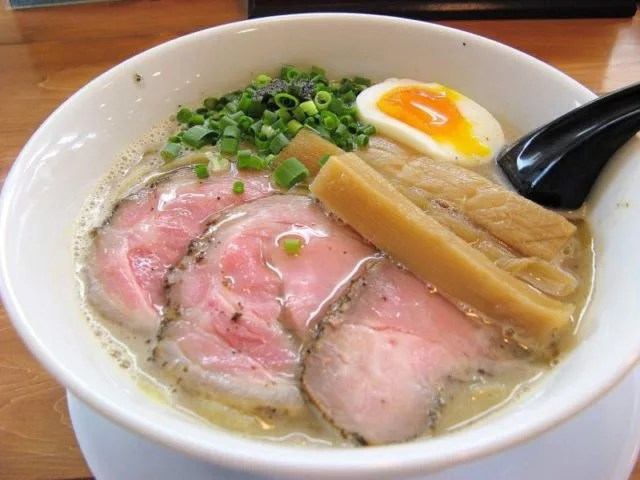おすすめランキング②俺のラーメンあっぱれや~自家製平打ち太麺が自慢!
