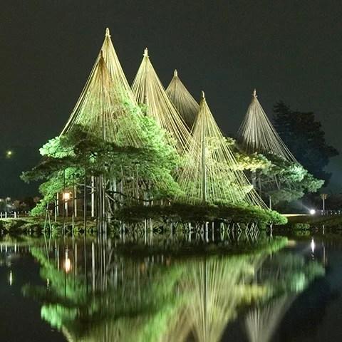 金沢イベント情報⑧金沢の冬の風物詩です-兼六園雪吊り