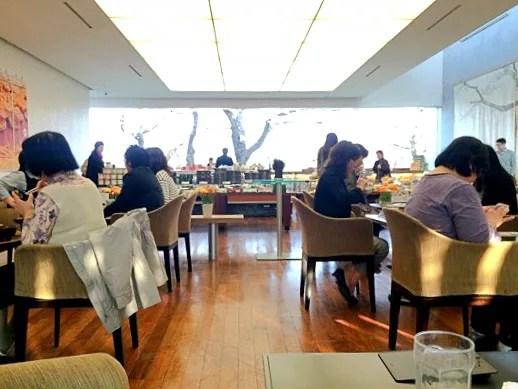 函館カフェランキング7.五稜郭を一望できる「六花亭 五稜郭店」