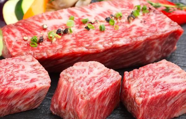 札幌ステーキランキング⑨黒毛和牛の賽の目ステーキを個室で「賽(さい)」