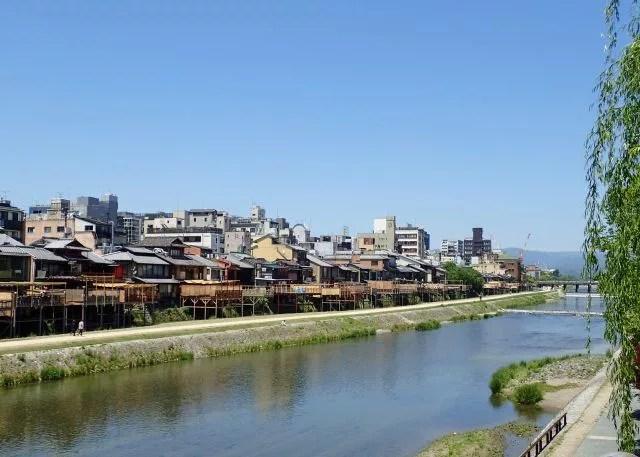 京都四条河原観光スポットランキング⑧まさに京都の風景!鴨川 四条大橋