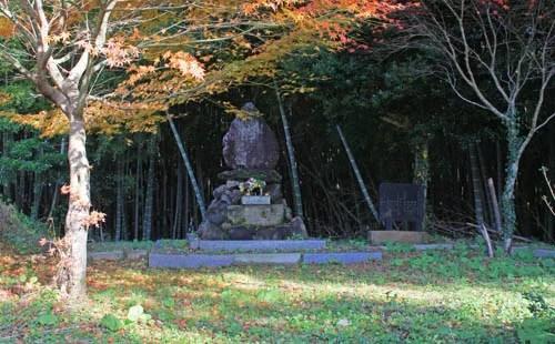 能登半島パワースポットランキング⑩14世紀の島の救世主のお墓!御祖母様の墓