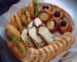 函館パン屋ランキング⑦函館の隣町大沼国定公園そばにある人気のパン屋「こなひき小屋」