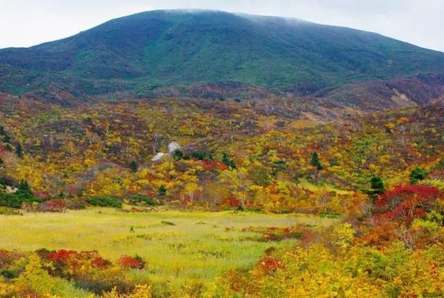 岩手県の紅葉名所&見ごろ時期⑤東北屈指の雄大な紅葉が素晴らしい「栗駒山」