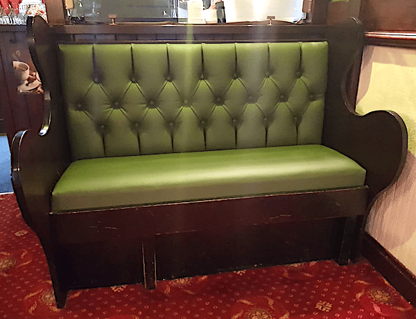 Pub-bench-green
