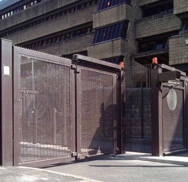 raptor-swing-gate