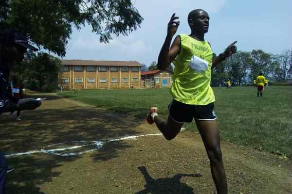 ATHLETISME AU SUD-KIVU  : Musimwa Ernest a remporté le 10 000 mètres adultes en 37 minutes et 10 secondes.