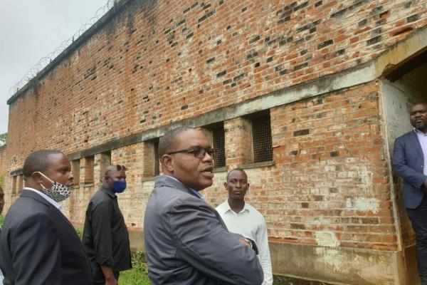 Sud-Kivu : Le gouverneur NGWABIDGE promet 500 dollars américains chaque mois comme ration alimentaire de  prisonniers.