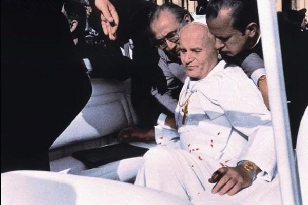 Monde : Quarante ans déjà depuis l'attentat contre saint Jean-Paul II.