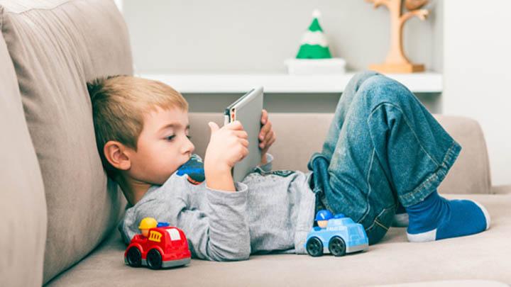 penyebab anak kecanduan gadget