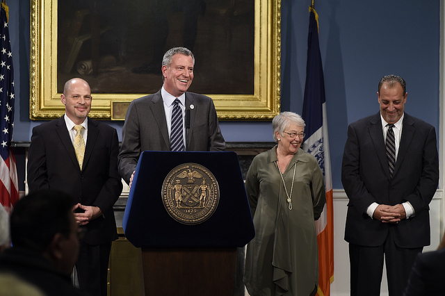 Mayor Bill de Blasio announces UFT Preliminary Agreement on 9-Year Contract in the Blue Room, City Hall on Thursday, May 1