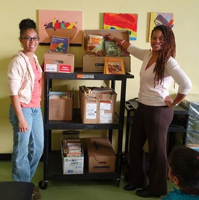Volunteers help out with Senator Jesse Hamilton Holiday Book Drive (1)
