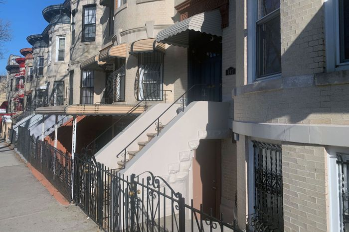 De Blasio's Tiny Houses Plan for Apartments in Basements, Garages and Backyards