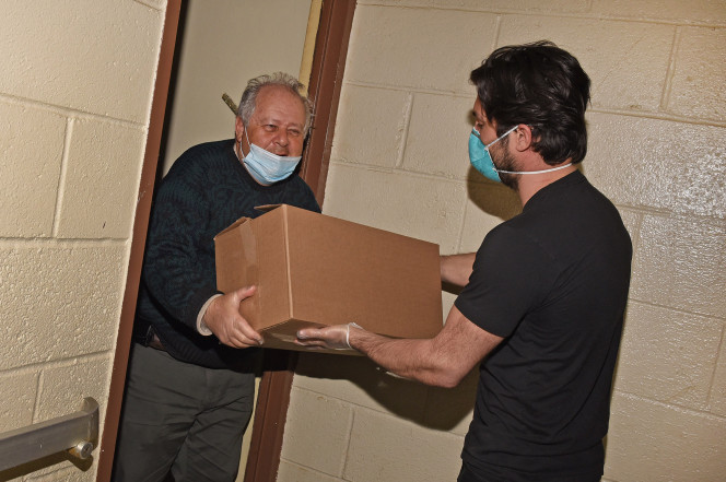 Hero of the Day: Brooklyn volunteer delivers food to Holocaust survivors