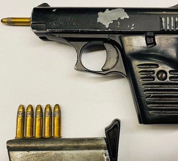 PHOTOS: Police officers confiscate loaded, illegal guns in Brooklyn: NYPD