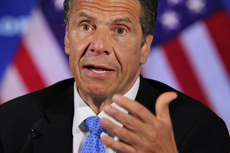 Cuomo authorizes New York businesses to ban entry without wearing a mask