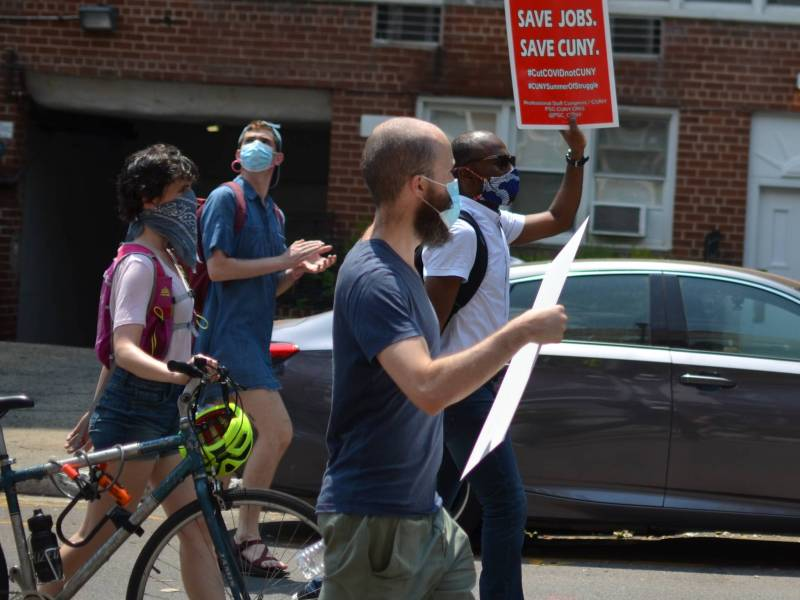 Protesters marching to Michelle Anderson's house from Brooklyn College