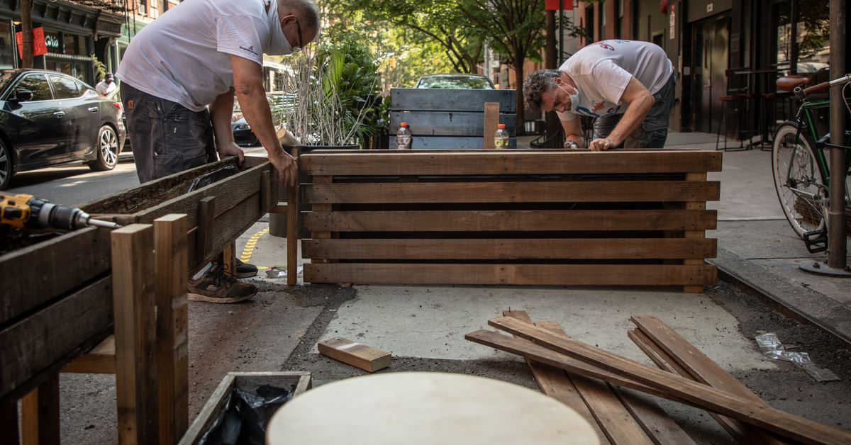 NYC Restaurateurs Spend Thousands to Comply With Last-Minute Outdoor Dining Rule Changes